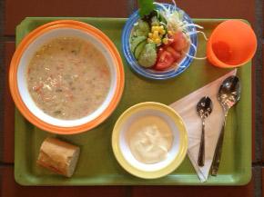 Holsteiner_Kartoffel-Cremesuppe_mit_gebr._Rinderhack_und_feinem_Wurzel-Gemüse.jpg - 26.64 kB