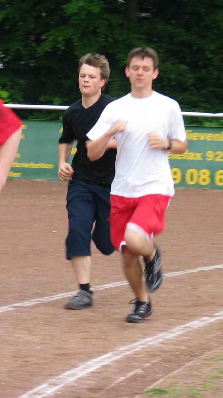 sportfest_08_mittelstrecke_03.jpg - 168,21 kB