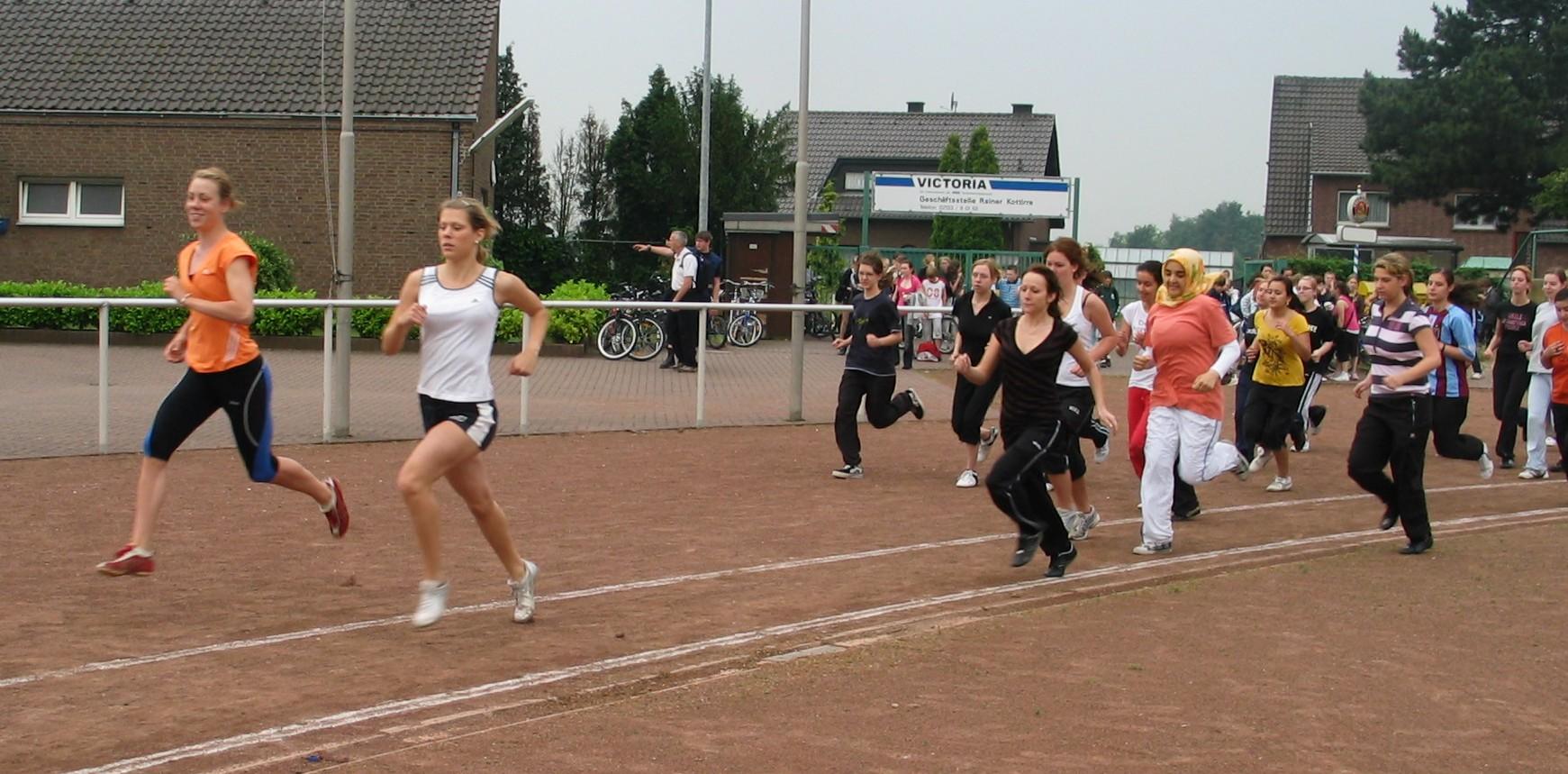 sportfest_08_mittelstrecke_06.jpg - 375,85 kB