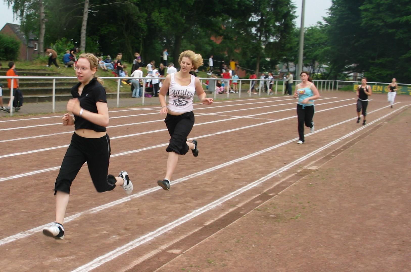 sportfest_08_mittelstrecke_11.jpg - 343,75 kB