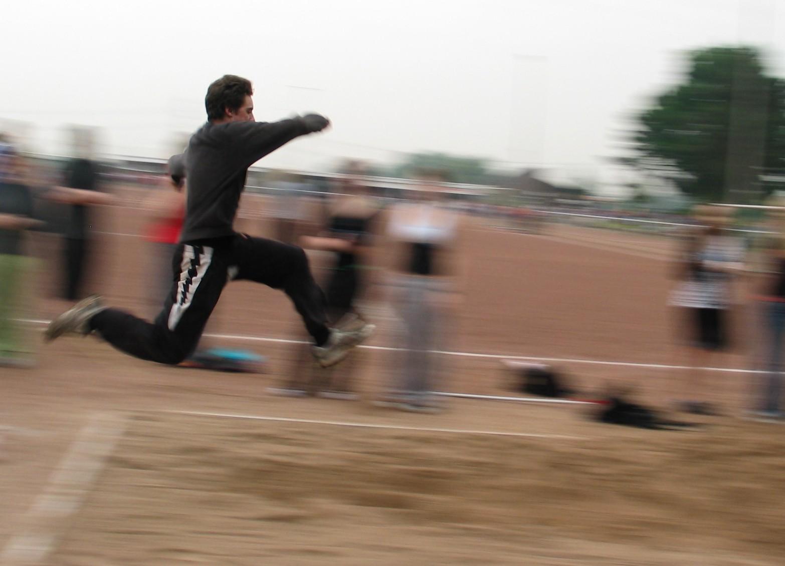 sportfest_08_sprung_03.jpg - 208,98 kB