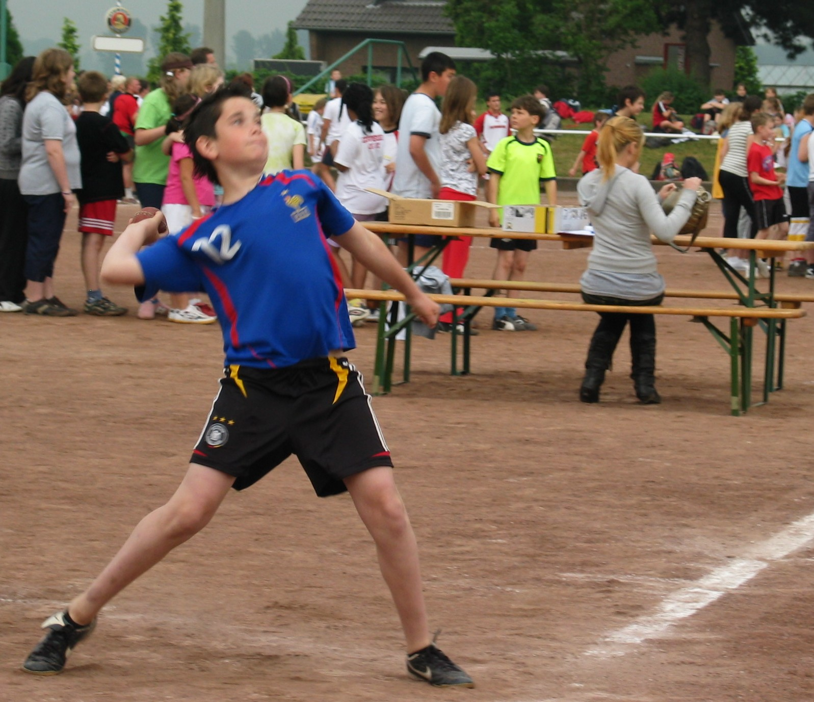 sportfest_08_wurf_03.jpg - 386,72 kB